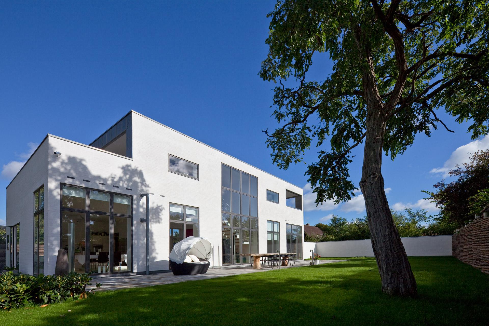 Arkitektur-billede-af-villa-i-Risskov-fotograferet-af-BB-Studio